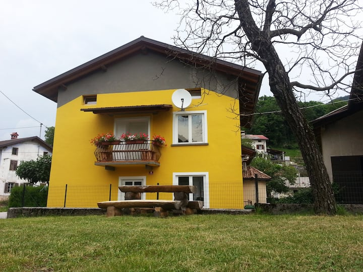 Apartment in rustic style on a farm in Soča Valley