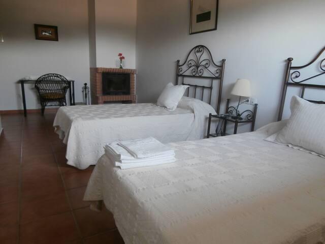 Casa Rural las Gamitas Hbitacion 2 - Almoharín - Casa