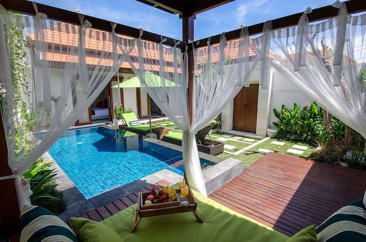 Sanur-Stunning couples haven with outdoor day bed