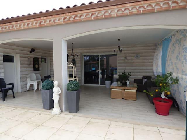 studio 50m2 +terrasse couverte 40m2 - Lagrave - Rumah