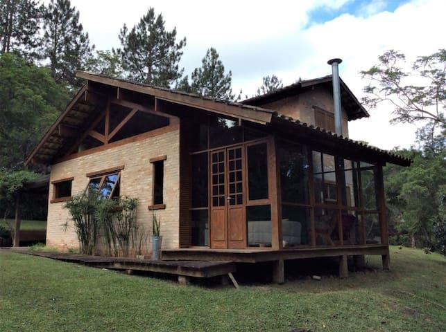 Casa de campo na Mata Atlântica