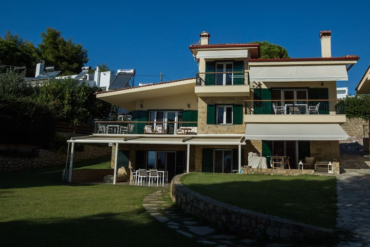 3 Moriel Seaside Homes Suites