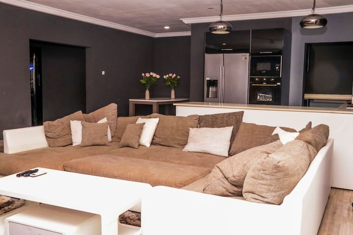 An Executive 4 Bedroom House (furnished)