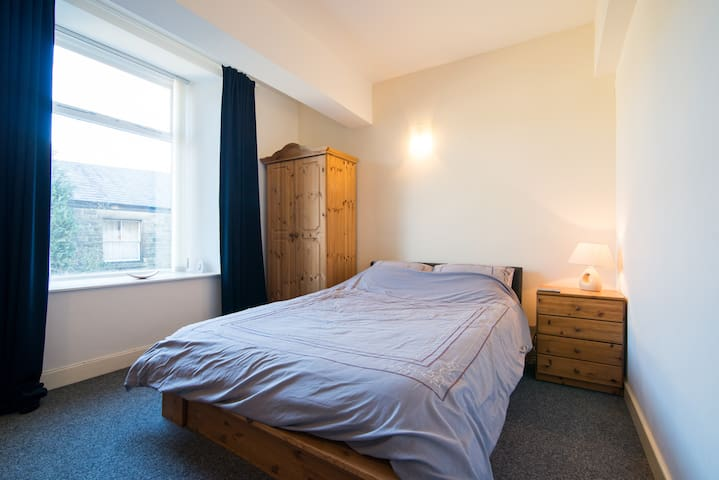 New York Loft Apartment in Buxton - Buxton - Apartment