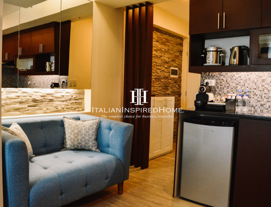 """""""Located near the SM BF mall, only a ten minute walk, with jeeps, busses, and tricycles easily accessed. A fifteen minute grab taxi ride takes you to NAIA. Ten more minutes brings you to downtown Makati. The location is perfect. The apartment is comfortable, and ready to use for everyday living, or just to relax and check out the view to the West. The hosts, Marco and Micca, are kind and caring and make every effort to make your stay enjoyable. The apartment is quiet and the Bose entertainment center will make your listening experience quite excellent. I'm sure we'll be back to stay again. I understand that the hosts will be opening a second property in this same complex, and stores are nearing completion, which includes a Rustans supermarket right next door. That will make this an ideal location for everyone. Much thanks to our gracious hosts. Ciao!!"""" - John and Gina ★★★★★"""