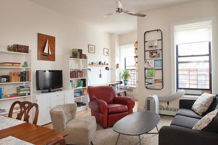Renovated 1BR Penthouse Oasis In Brownstone