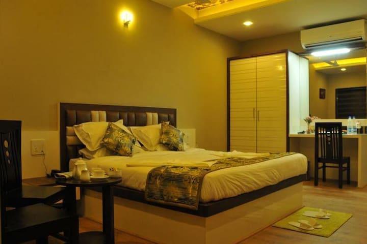 Hotel Prabhu Residency Pandharpur Platinum Room Ac
