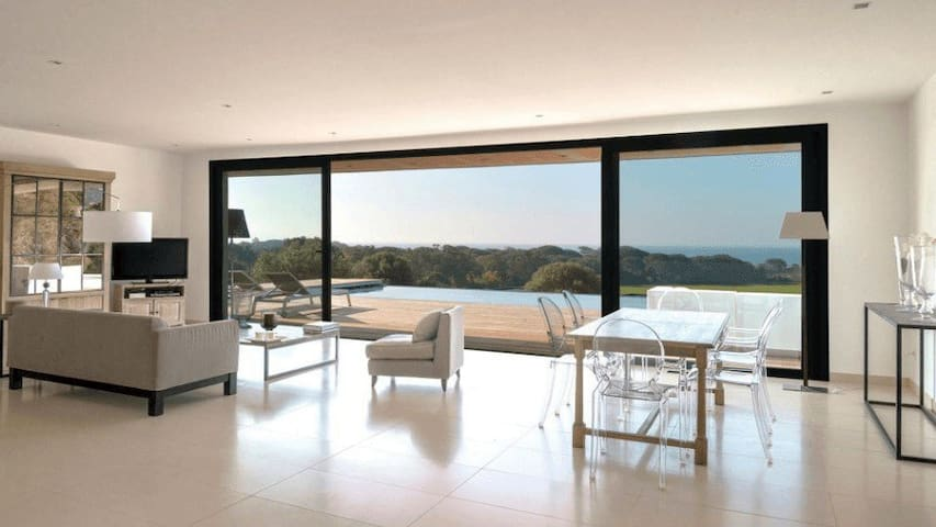 Luxury villa with exceptional sea views - ポルトヴェッキオ - 別荘