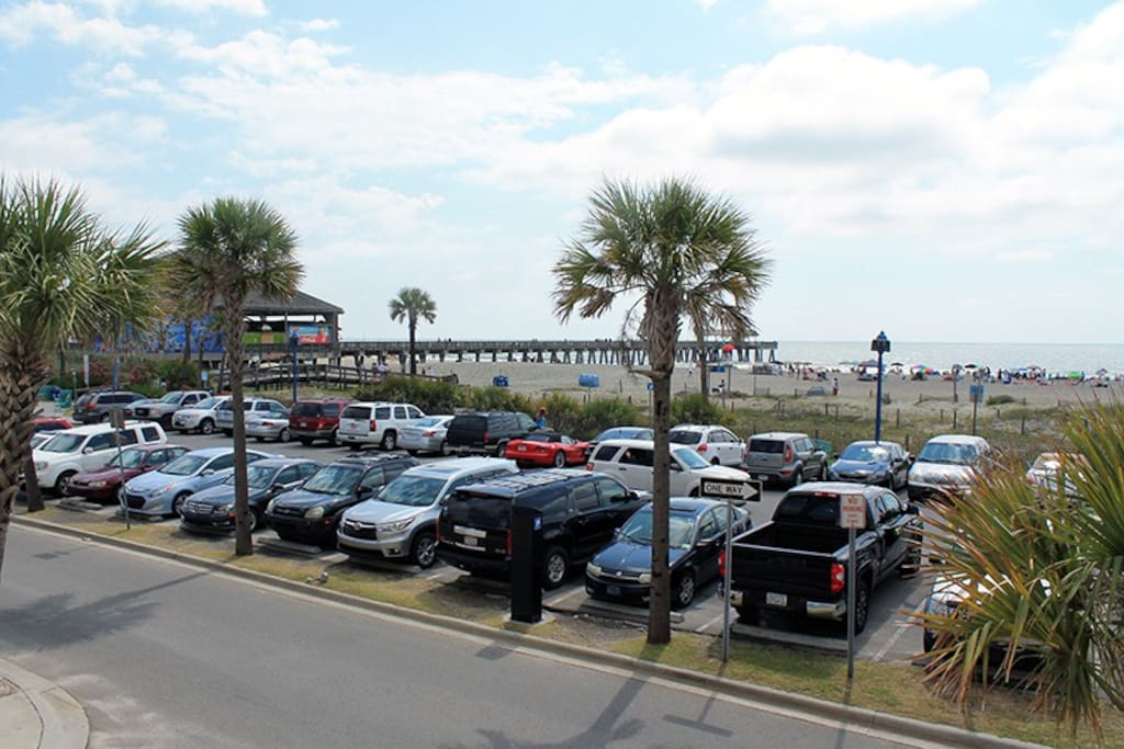 Fabulous Vistas and Easy Access to Tybee`s South Beach