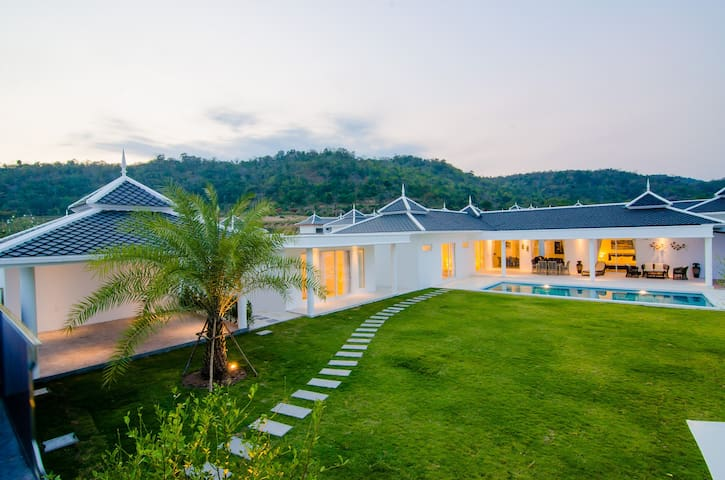 HUA HIN'S MOST EXCITING NEW PRIVATE POOL VILLA