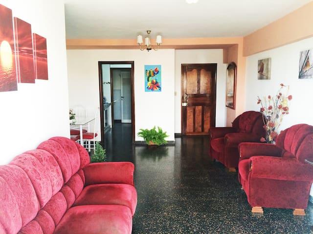 """Apartamento de lujo en el Vedado """"Casa  Mabelsita"""""""