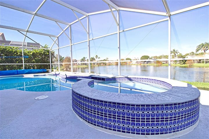 Disney Firework Lakefront Villa with Home Theater