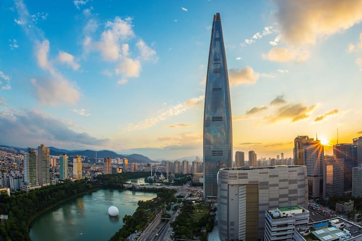 [NEW] 2 min Lotte World Tower & Cozy Space, SEOUL