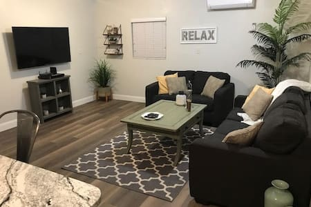 Remodeled & New Near Zion Home Sleeps 4