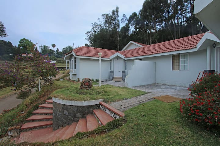 OYO - Spacious 2BHK Stay in Ooty - Flash Deal⚡