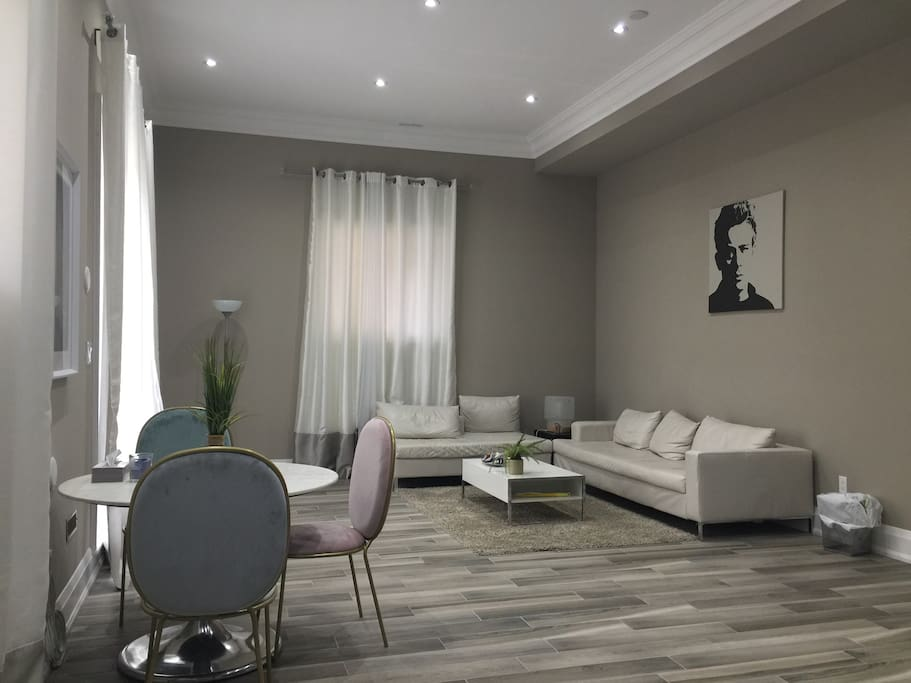 Independent suite finch bathurst case in affitto a for Suite suocera in affitto vicino a me