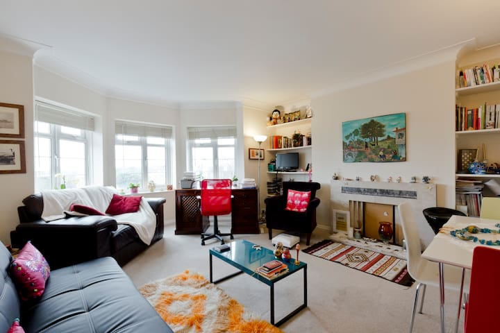 Homely, bright apartment, 20 min to central London - London - Lägenhet
