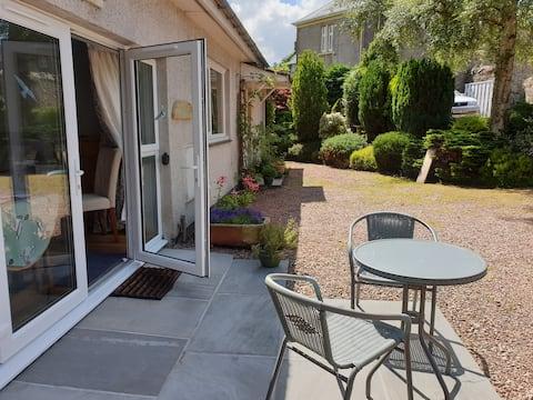 Riverside Studio Apartment & Gardens