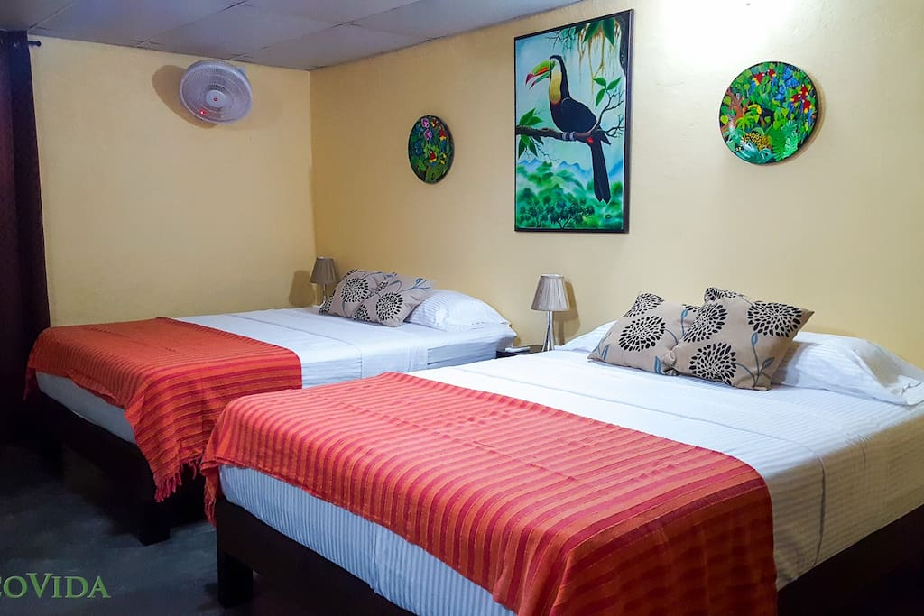 Cabina Amarilla (Yellow) with 2 queen beds (AC available at an additional cost)