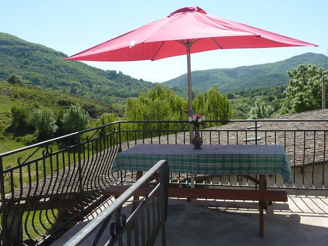 Self catering la riviere - Saint-Martin-sur-Lavezon - House