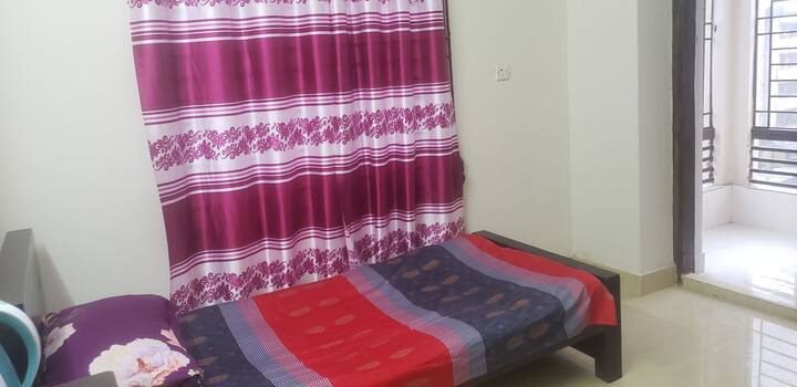 Single Room in Dhaka with all Facilities & a View