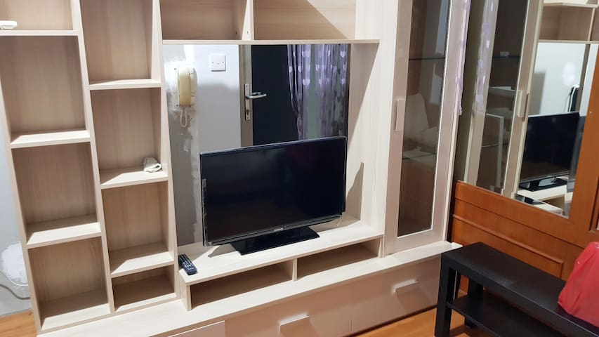 50 Channel TV Provided - TV dengan 50 Channel