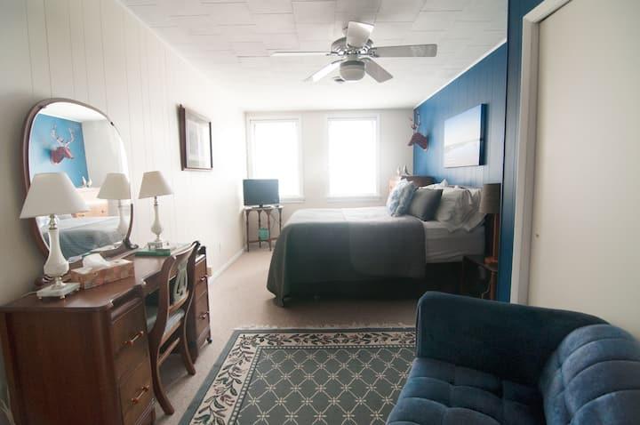 Ecology Inn/3 Room Suite