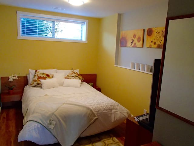 A Golden Mile BNB - Golden Room