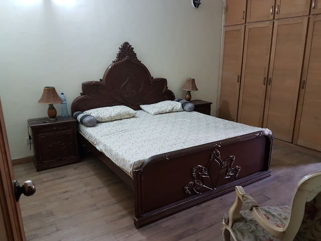 An affordable room in Gulberg II without a catch