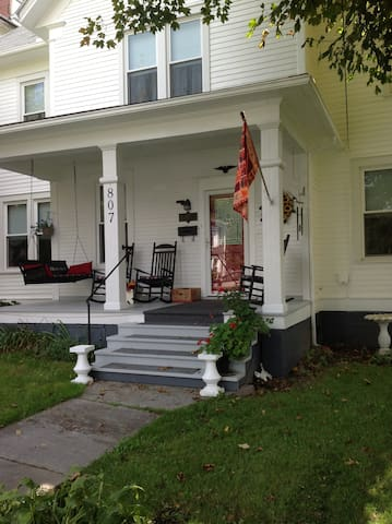 Come home to Nola's House! - Marlinton - Huis