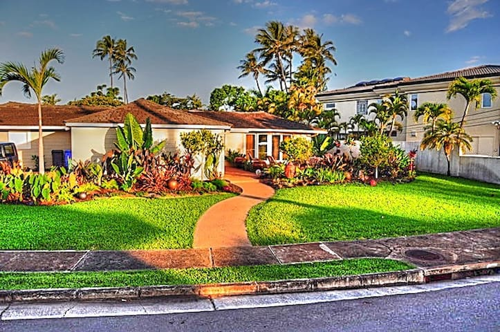 Kahala home near beach
