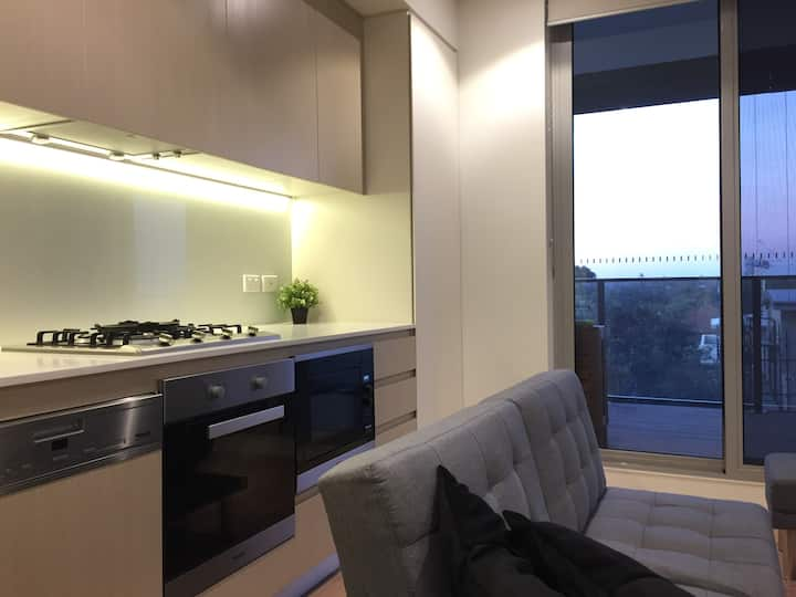 Bright and cosy apartment 1 min from station
