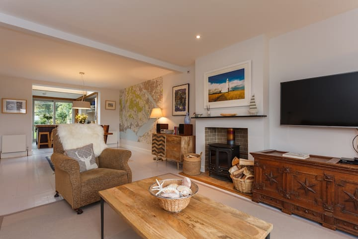 Fantastic modern New Forest house in Brockenhurst