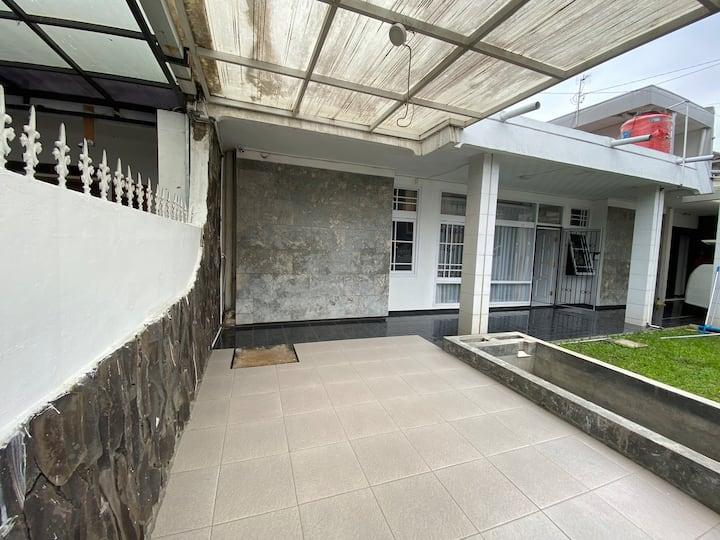 Good House for Living