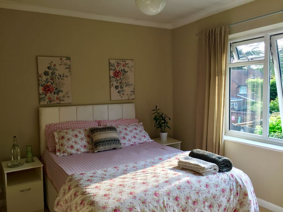 The guest bed (double bed)