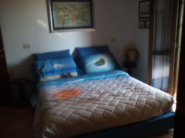 Camere matrimoniali in villa tutti i confort - Borgo Faiti - Willa