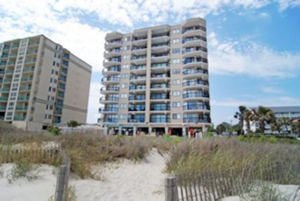 2 Bedroom Oceanfront Crescent Towers Ii Condominiums For Rent In North Myrtle Beach South