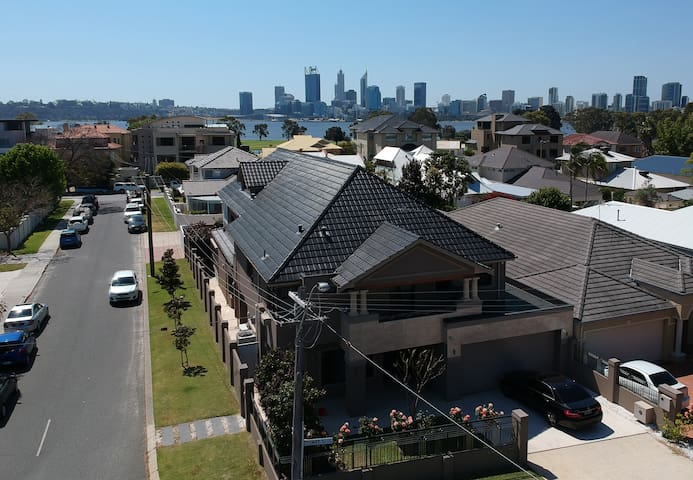 South Perth Mansion,3 Storeys with Lift,City views