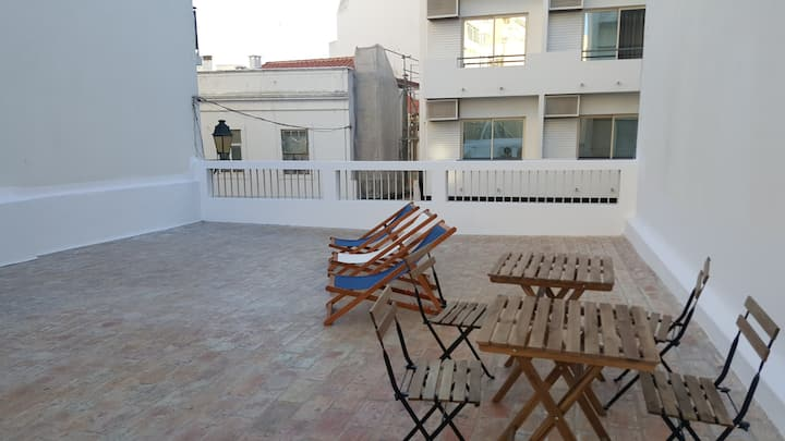 Downtown Double room with shared roof top terrace