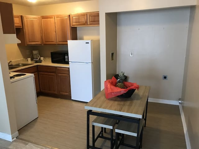 Beautiful 2 bedroom apartment and pet friendly.