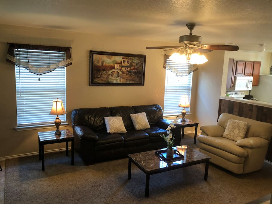 Living Room w/leather couch & recliner