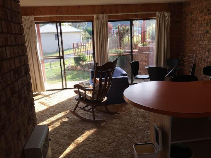Snowy Mountains Lake side apartment Kalkite