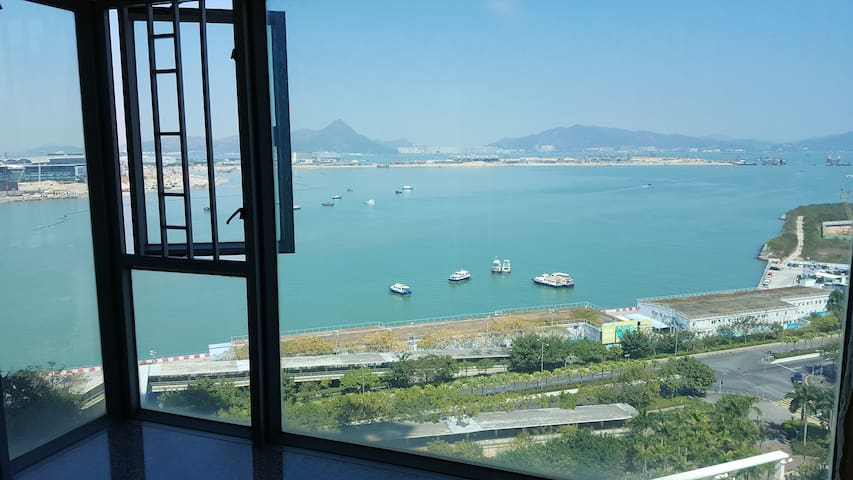 Double-bed Room Near Airport,AsiaExpo,Disney東涌站大床房 - Hong Kong - Apartment