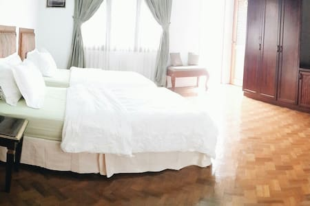 Modern Burmese rooms, Cozy district - Янгон - Дом