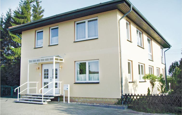 Holiday cottage with 8 bedrooms on 235 m²