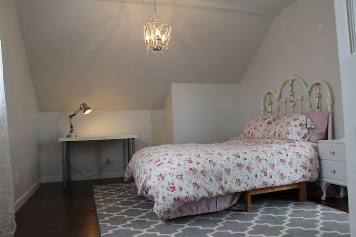 Bright, Spacious comfy place to stay - Campbell River