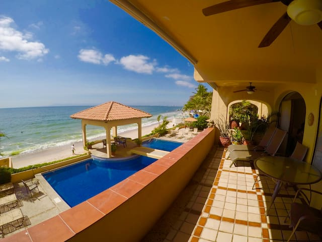 **BEACHFRONT ONLY 10 MIN OF PV TOWN **