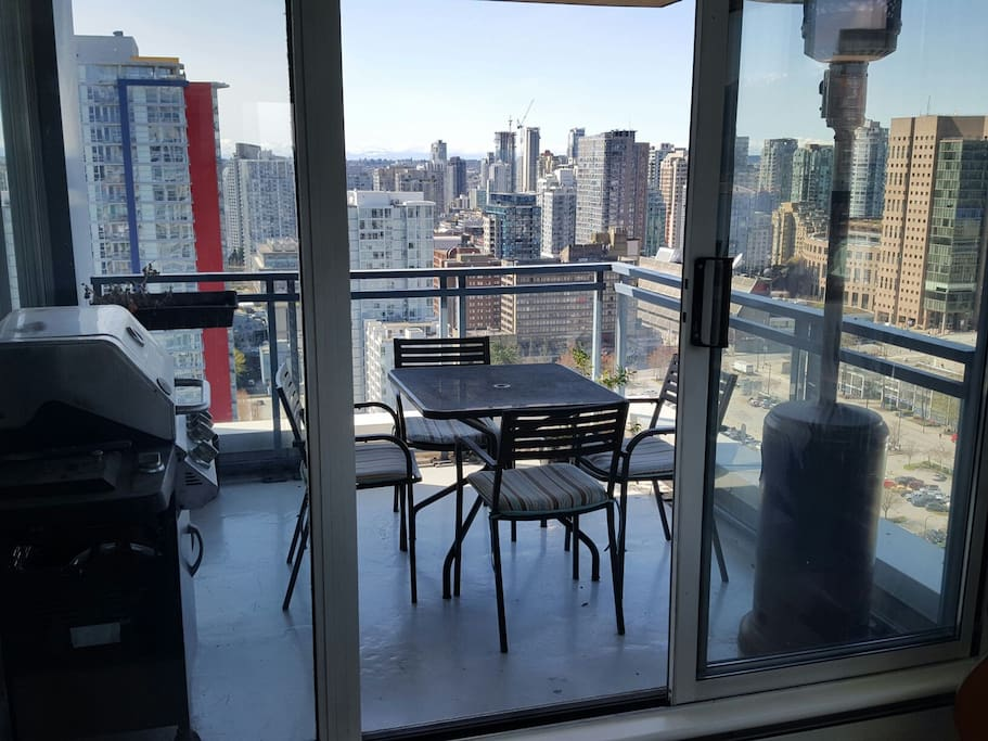 Sub penthouse on the 31st floor with good sun for Columbia flooring canada
