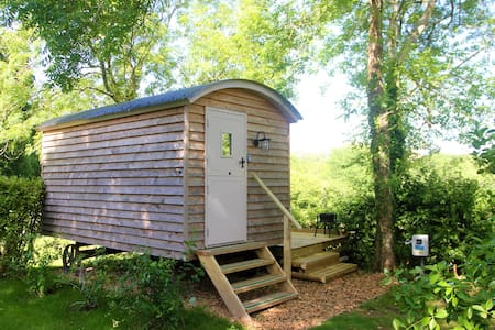 Dorset Woodland Retreats - Lifton Shepherd's Hut