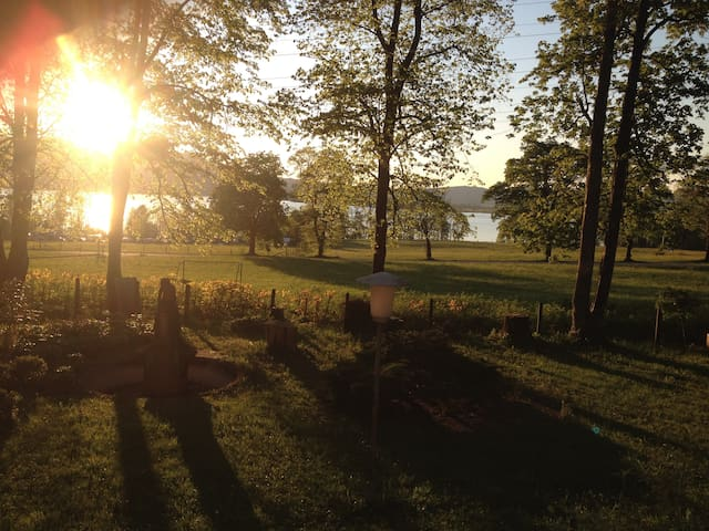 Großes Zimmer in Villa|sep Bad|Garten|300m zum See - Kochel am See - Villa